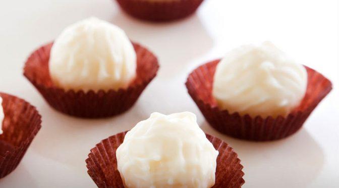 Strawberries and Cream Cheesecake Bites