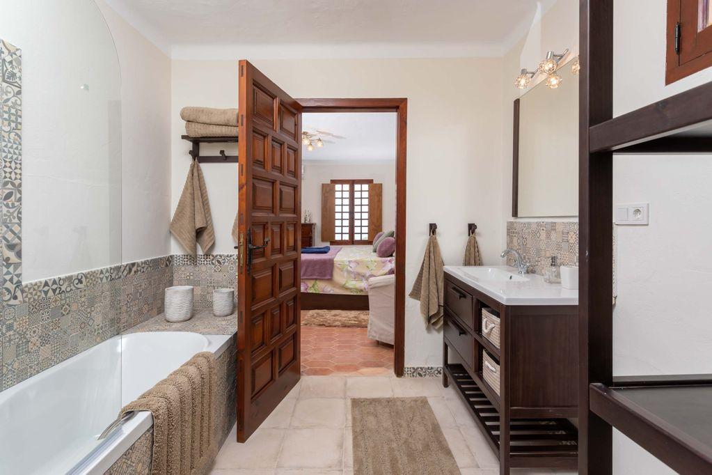 Bathroom at Huerta Belinda